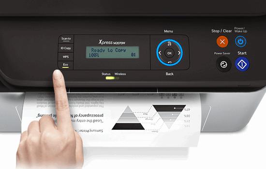 Кнопка включения на принтере